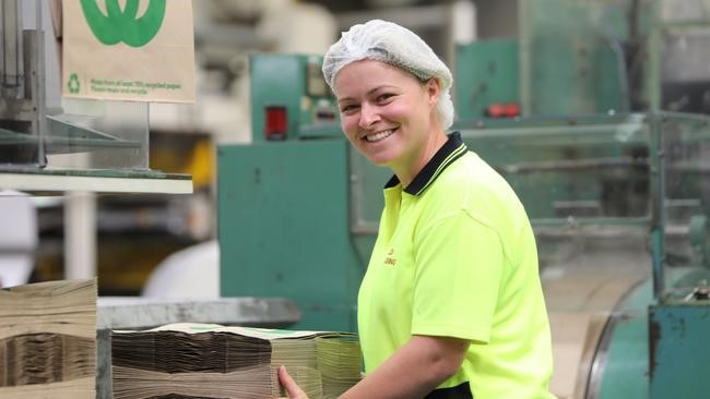 Image of Siobhan at Detpak supporting the manufacture of Woolworths paper bags